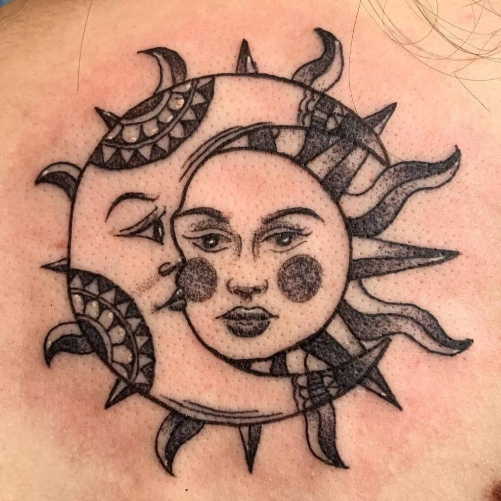 Sophie Lynch @lynchie_tattoo